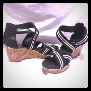 Kids Girls Wedge Sandals -Size 2